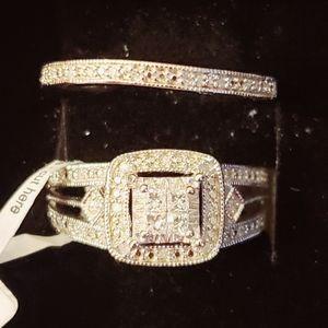 BN DIAMOND HALO ENGAGEMENT RING SET